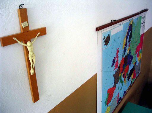 crocifisso-scuola1.jpg