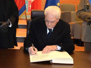 Unioni civili mattarella firma la legge arcigay ora for Legge della repubblica